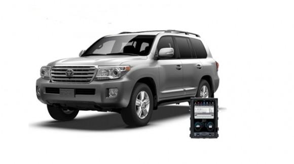 Toyota Land Cruiser 200 - пример установки головного устройства.